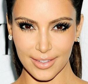 Kim-Kardashian-Eyelashes-440x421